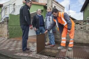 El Ayuntamiento de Camargo realiza trabajos para acabar con las inundaciones en un tramo de la carretera CA-240 en Revilla