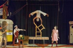 El ciclo Otoño de Teatro de Camargo llegó a su ecuador con Malabaracirco