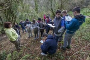 Alumnos del Colegio Altamira descubren el sistema kárstico de las cuevas de El Pendo y Los Covachos de Peñajorao