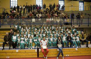 Los alumnos del curso pasado compartieron una jornada de atletismo con la saltadora de altura Ruth Beitia