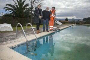 El Ayuntamiento ultima la reparación de la piscina municipal de Igollo