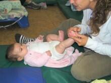 Masaje infantil y estimulación temprana.