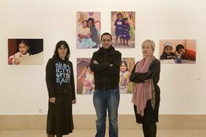 El concejal de Cultura presentó la exposición acompañado por la fotágrafa Blanca Castañeda y Ana Bolado