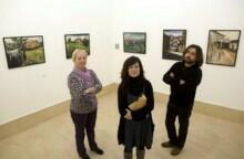 La concejala de Cultura, Jennifer Gómez en la sala de exposiciones del Centro Cultural la Vidriera